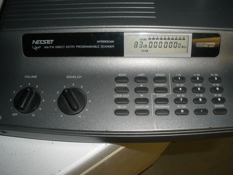 100 CH POLICE SCANNER 800MHZ ( NEEDS REPAIR ) - Windsor